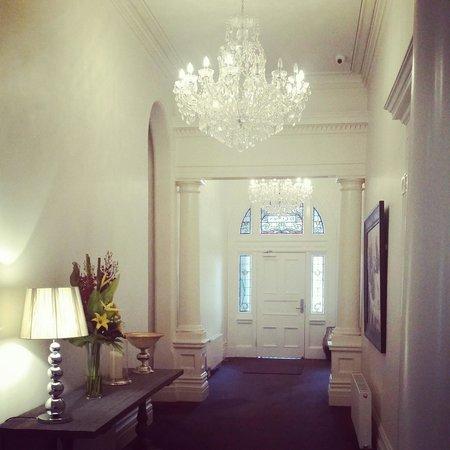 Ballarat Premier Apartments : Hallway in hotel