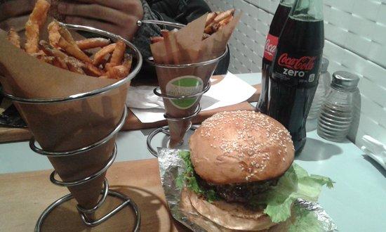 Le Gourmet Burger: nice burger et sweet french fries potatoes