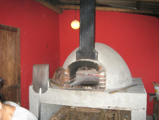 Pizza Phan Luang: Wood fired oven