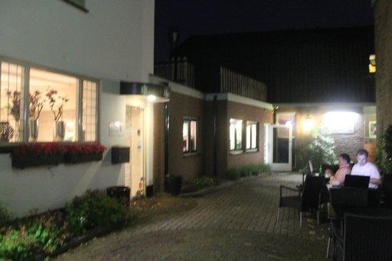 Hotel Abcoude: Место отдыха с видом на улицу и WiFi