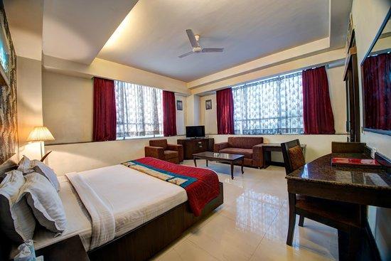 Hotel PR Residency: Executive Suite