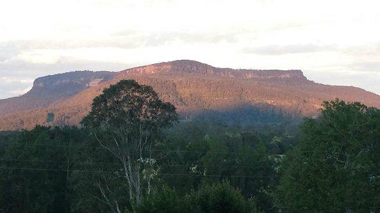 Minimbah Farm Cottages: Our balcony sunset view