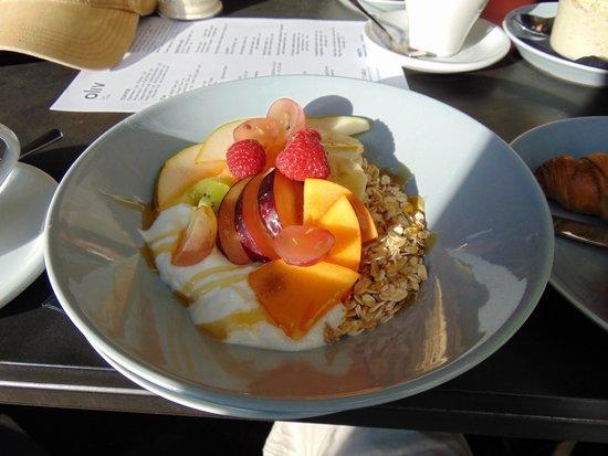 Oliv Cafe : cereal
