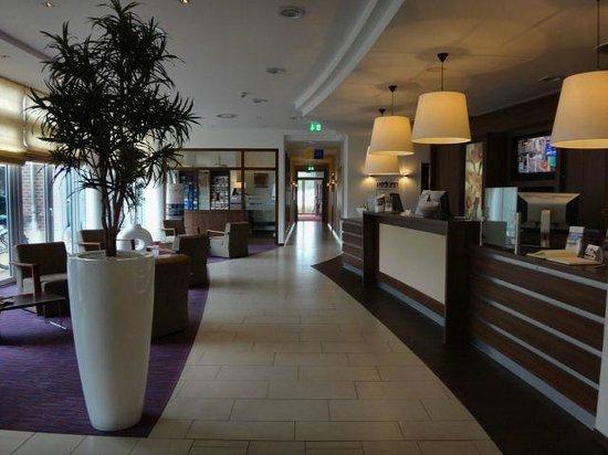 Park Inn by Radisson Papenburg: Reception and lobby