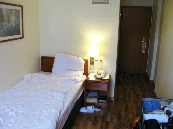 Hotel Excelsior: Room