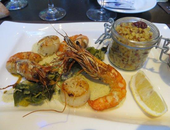 Restaurant Comptoir JOA : Gambas et noix de St Jacques au pesto de sauge