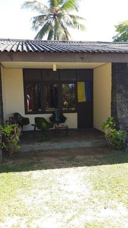 Club Koggala Village : Так выглядит бунгало наших соседей