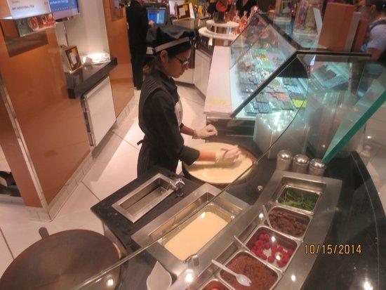 ARIA Patisserie: preparing crepe