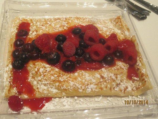ARIA Patisserie: mixed berry crepe