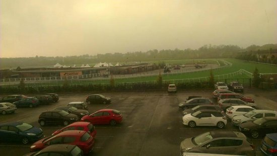Holiday Inn Express Chester - Racecourse: View from Tinted Window at End of Passageway