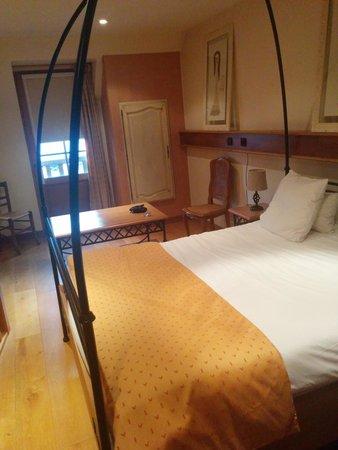 Hotel et Spa Le Lion d'Or: chambre