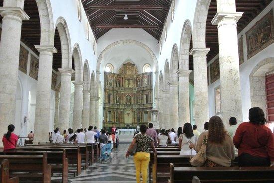 St. Catherine of Alexandria Cathedral: 内部