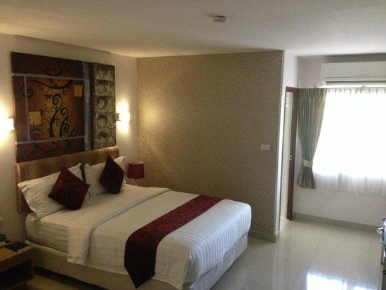Roseate Hotel: Bed