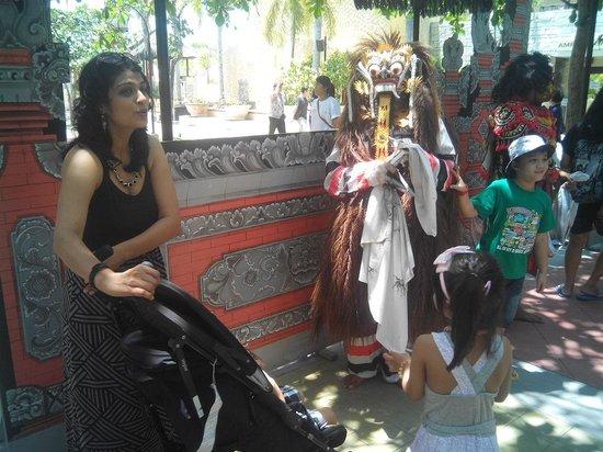 Dilang Bali Tour: Barong