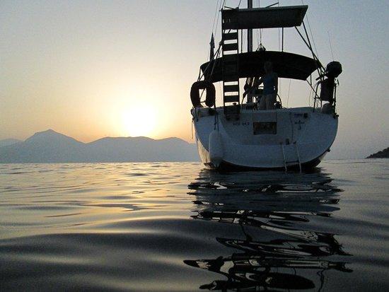 Kavas Yacht Charter : At anchor