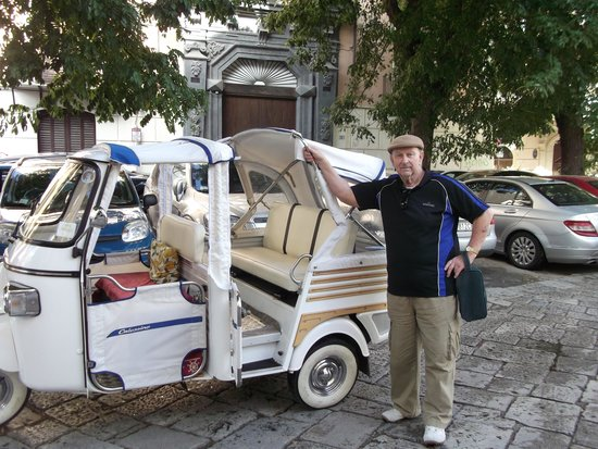Ambasciatori Hotel: On the road.
