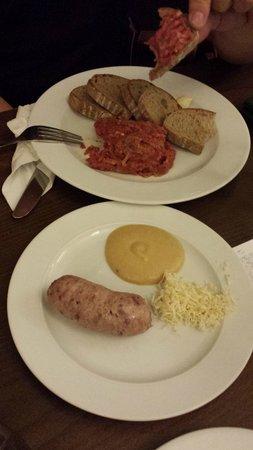 Sausage with horseradish and the tartarsky biftek