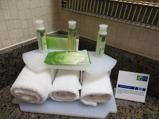 Holiday Inn Express & Suites Kincardine: Usual good amenities