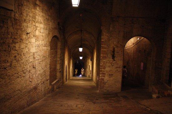 Rocca Paolina: 地下