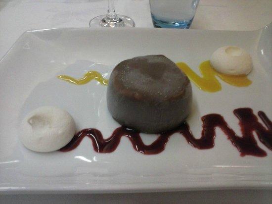 Restaurant Les Grenettes : bombe de nougat glacé