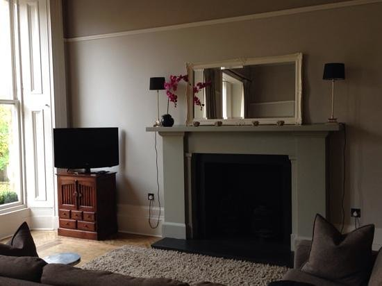 15Glasgow: perfect place to sit and relax &/ or watch TV