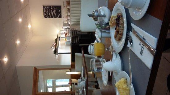 Hotel Newton : Café da manhã