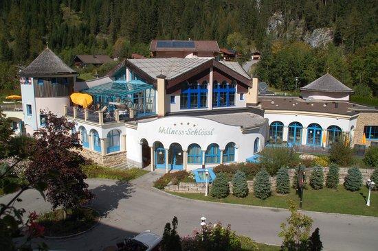 Alpenrose Resort : Blick vom Balkon (Hanglage)