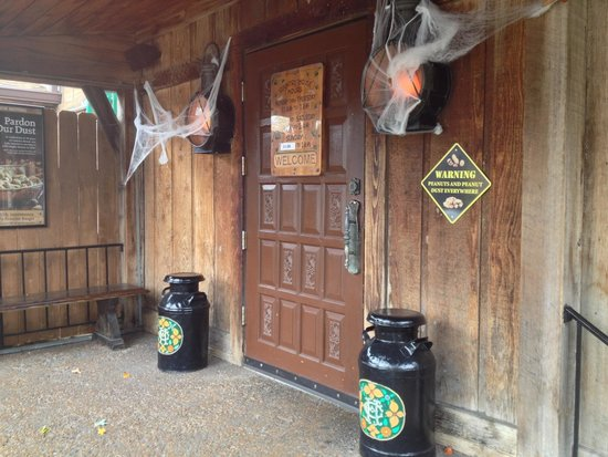 Country House Boasts A Halloween Treat Few Restaurants Can Offer A