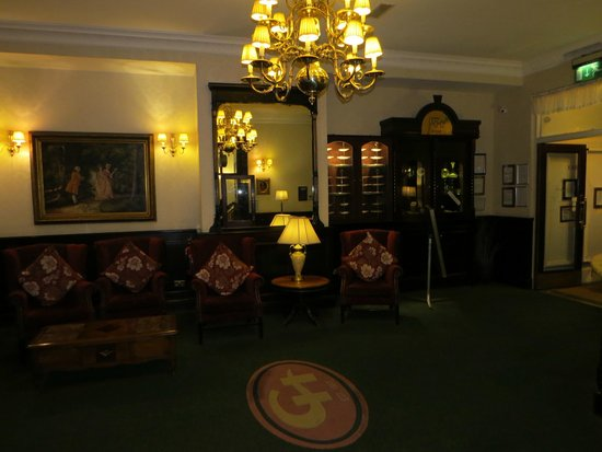 The Central Hotel : lobby