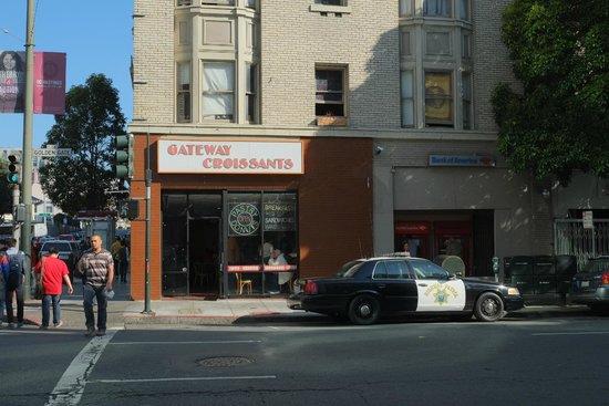 Gateway Croissant