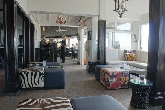 The Sunset Restaurant : Lounge an der Bar