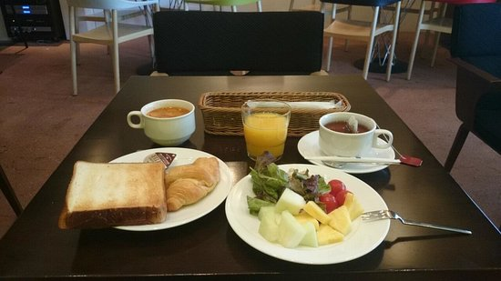 Hotel & Residence Roppongi: 朝食はボリュームがあり美味しかった〜!!