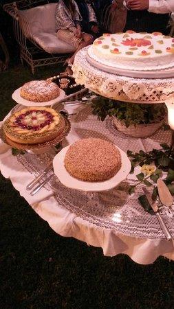 La Casa del Grecale : Tavolata di torte varie