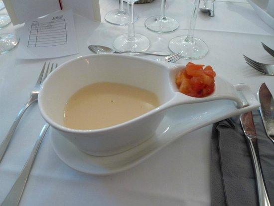 Hotel Landhaus Schieder: White tomato soup