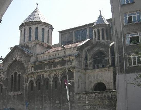 Surp Krikor Lusavoriç Kilisesi