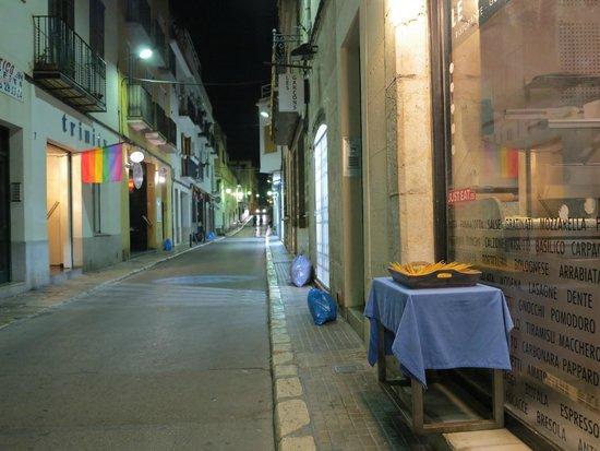 Le Pappardelle : Rua muito calma