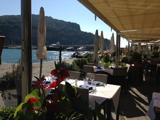 Palazzo del Duca : Restaurant Harbour Porto Venere
