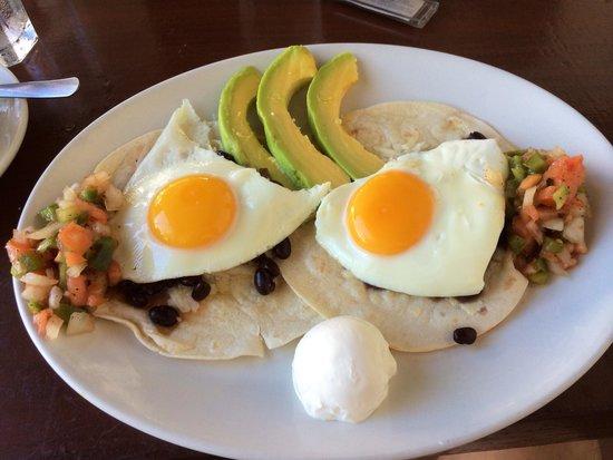 Zee Best Restaurant: Juevos Rancheros
