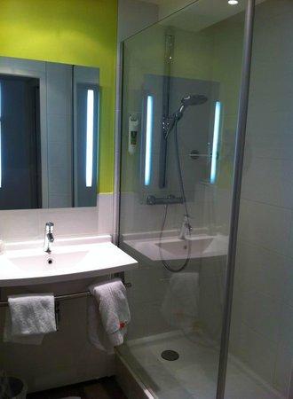 Mercure Thionville Centre : bathroom