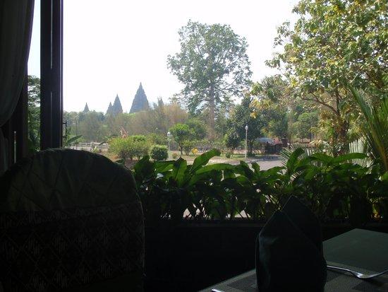 Poeri Devata Resort Hotel : vue pt déj