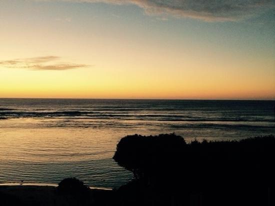 Yallingup Beach Holiday Park : sunset over Yallingup beach