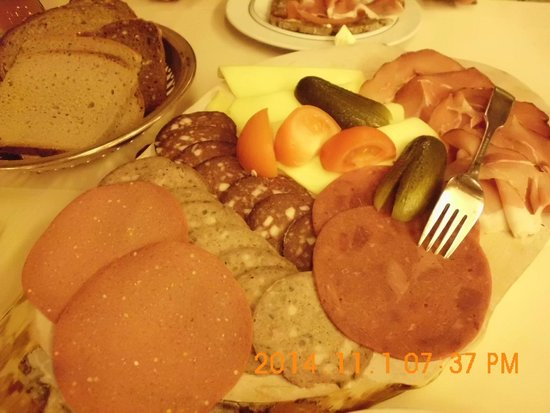 Hubertushoehe : Abendbrot aus Region  7 Euro 50 p. P. Leckerrrrr...