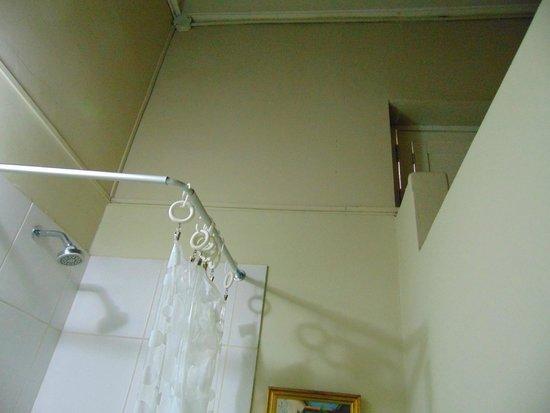 Residencial Miraflores B&B: TEcho baño