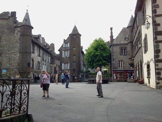 Salers - Photo De Salers  Cantal