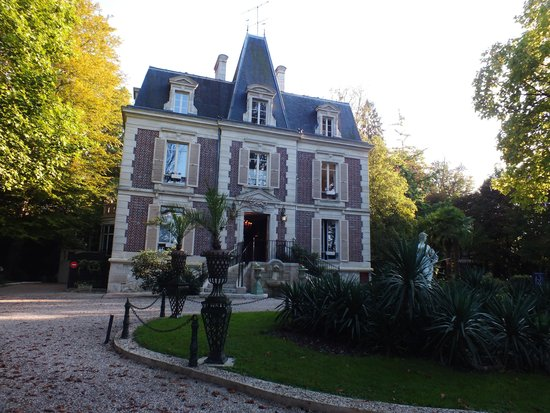 Les Jardins d'Épicure : Le bâtiment principal
