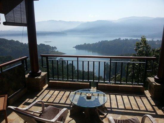 Ri Kynjai : Blick von der Terrasse der Cottages