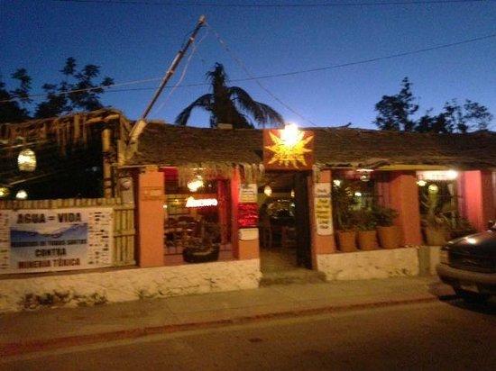 La Casita Tapas - Wine & Sushi Bar: exterior la casita