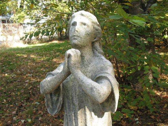 Harrisburg Cemetery: Peaceful Angels