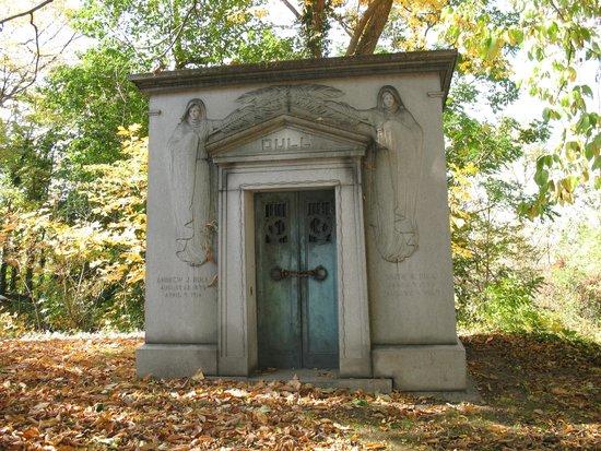 Harrisburg Cemetery: Simply beautiful