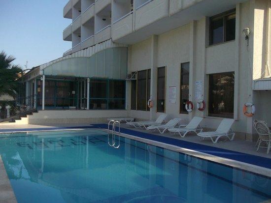 Hotel Minay: Minay pool area